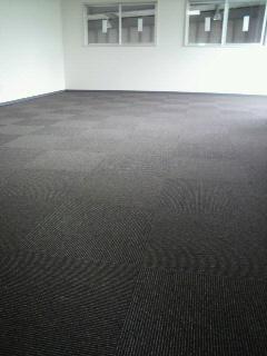 事務所には絨毯